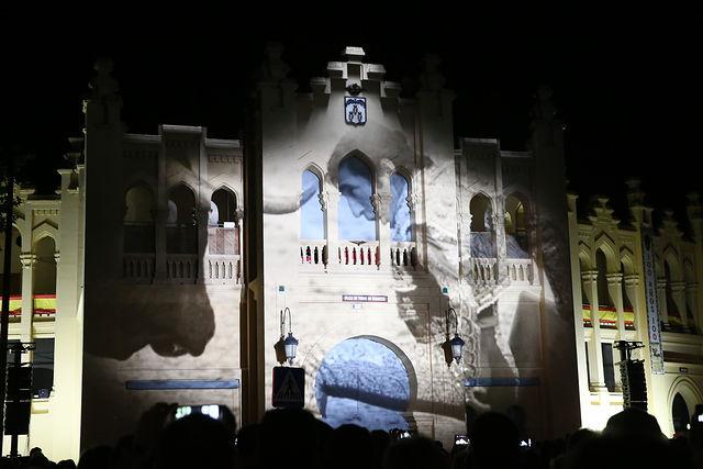 Homenaje a Dámaso González en el Video Mapping en la Plaza de Toros de Albacete. Foto JCCM