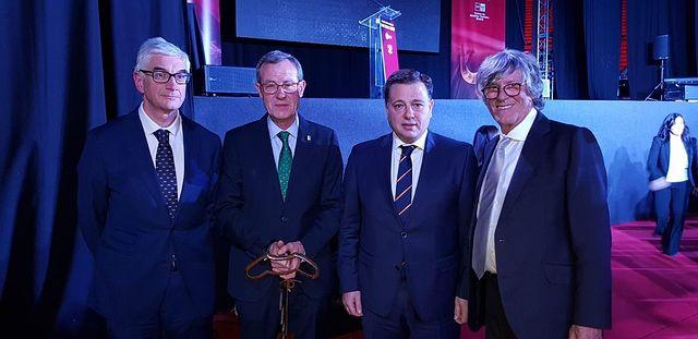 """Asprona recibe un reconocimiento en materia de """"Tauromaquia y Solidaridad"""" en la Gala """"San Isidro 2019"""""""