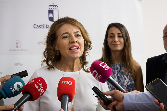 Aurelia Sánchez, consejera de Bienestar Social de la JCCM. Foto: Manuel Lozano García / La Cerca