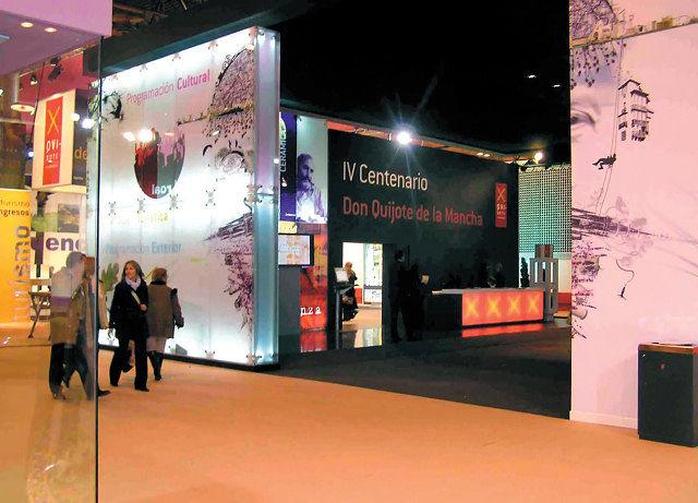 Stand promocional de Castilla-La Mancha sobre el IV Centenario en FITUR 2005.