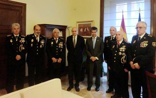 El ministro del interior ha recibido a la nueva junta de for Gobierno de espana ministerio del interior