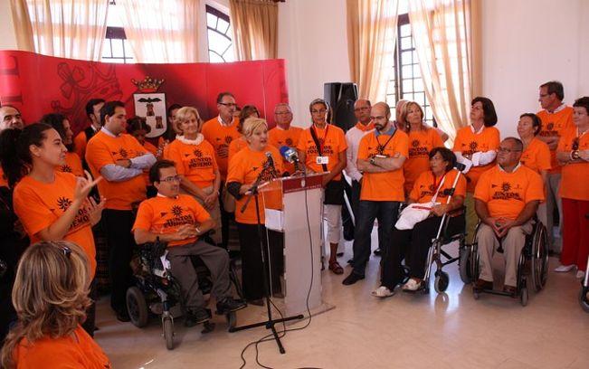 Balfagón, en el Día de la Discapacidad, en la Feria de Albacete