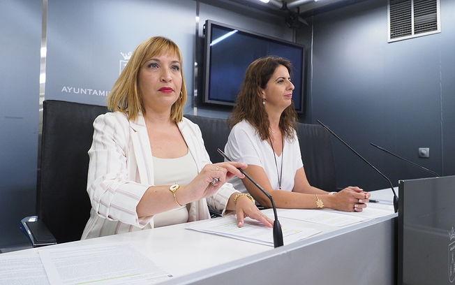 Amparo Torres junto a Laura Avellaneda. Foto: La Cerca - Manuel Lozano García