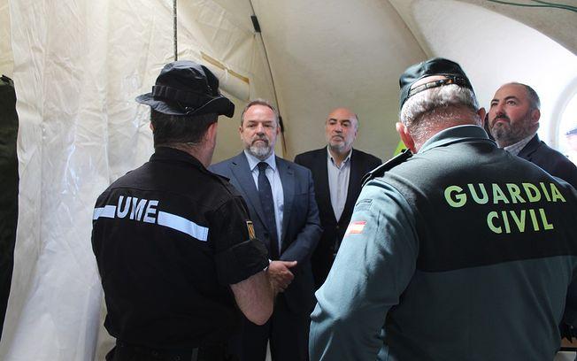 El delegado del Gobierno en Castilla-La Mancha, Jesús Labrador, ha visitado esta mañana el puesto de mando operativo en Manzanares con motivo del simulacro ?Gamma Daimiel 2015