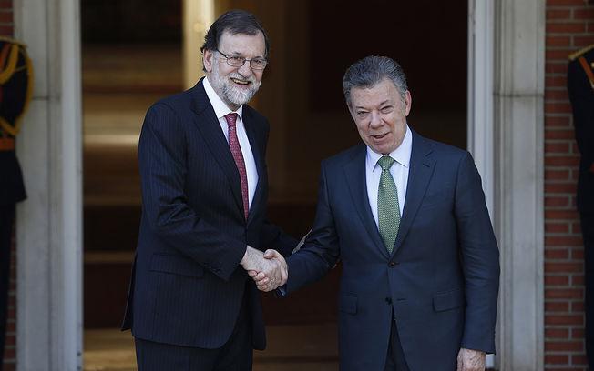 El presidente del Gobierno, Mariano Rajoy, recibe en La Moncloa al presidente de Colombia, Juan Manuel Santos.