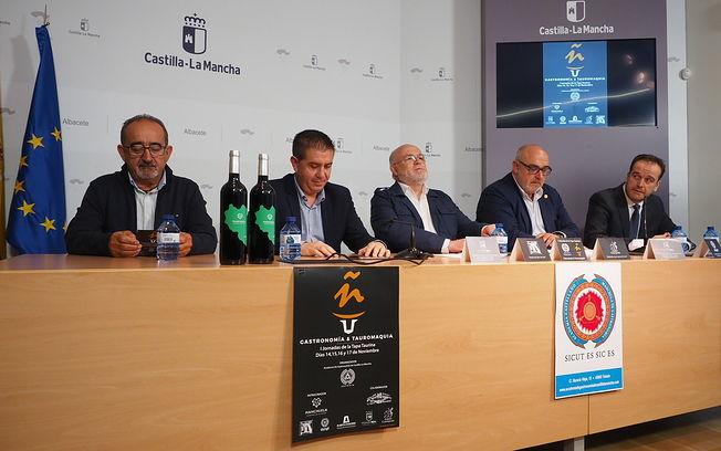Presentación de las I Jornadas de la Tapa Taurina en Albacete. Foto: Manuel Lozano Garcia / La Cerca